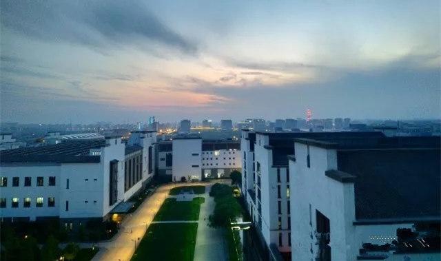上海华硕厂区夜景